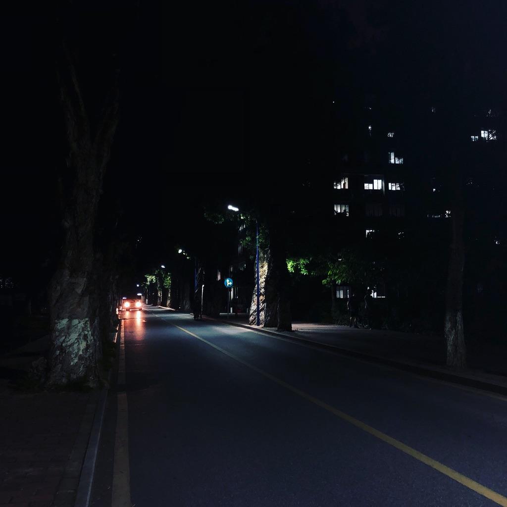 暨南大学夜色